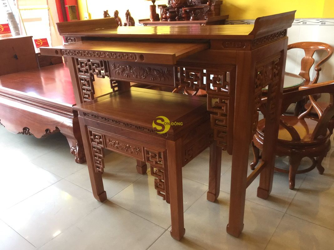 Bộ cặp bàn thờ và bàn cúng gõ đỏ triện hoa sen 1,53m SD1021 (Ảnh 2)