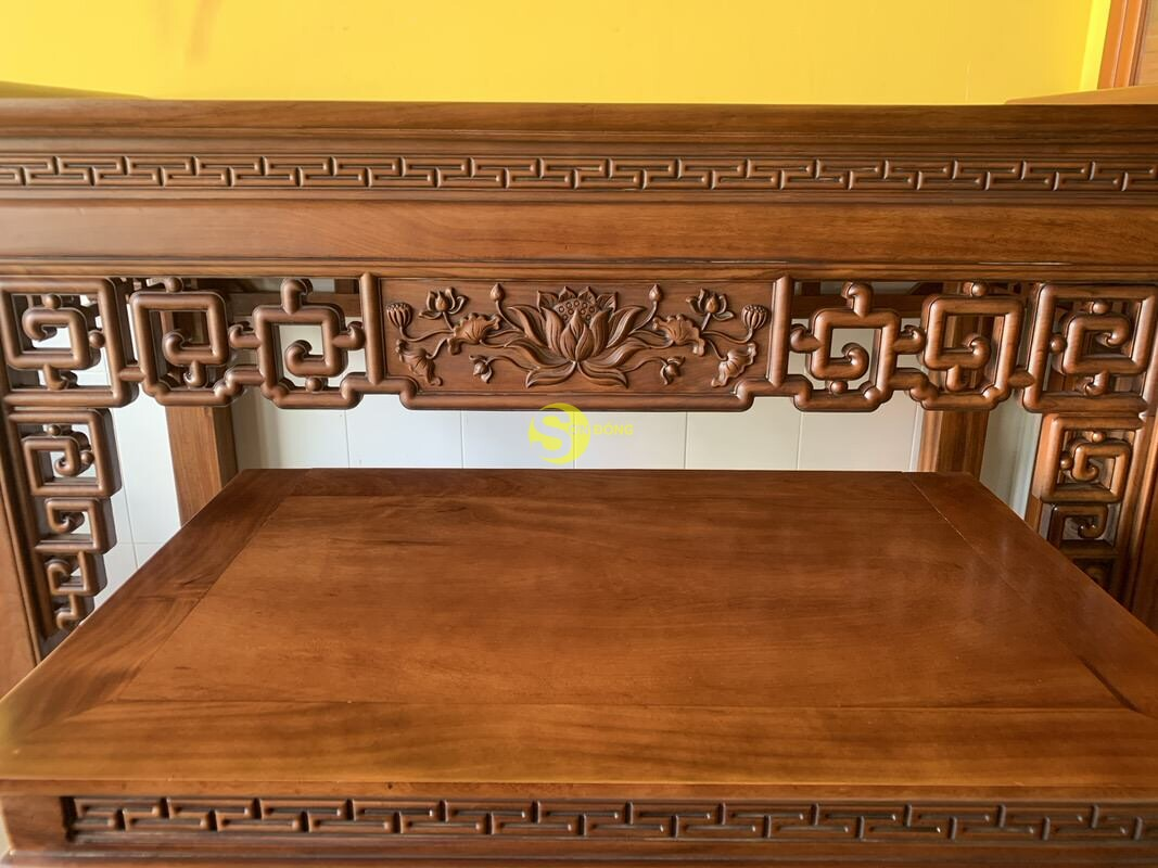 Bộ bàn thờ và bàn cúng gõ đỏ triện hoa sen 1,76m SD104 (Ảnh 7)