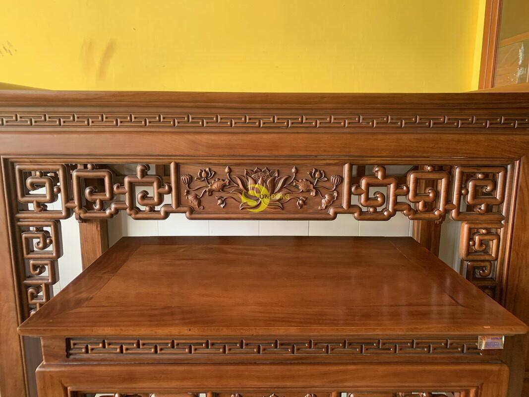 Bộ bàn thờ và bàn cúng gõ đỏ triện hoa sen 1,76m SD104 (Ảnh 1)