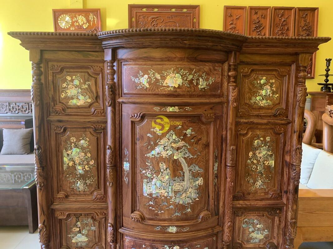 Tủ thờ gỗ cẩm lai cột hoa văn cẩn ốc 1,53m SD480 (Ảnh 1)